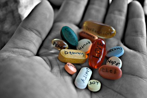 word-pills-in-palm
