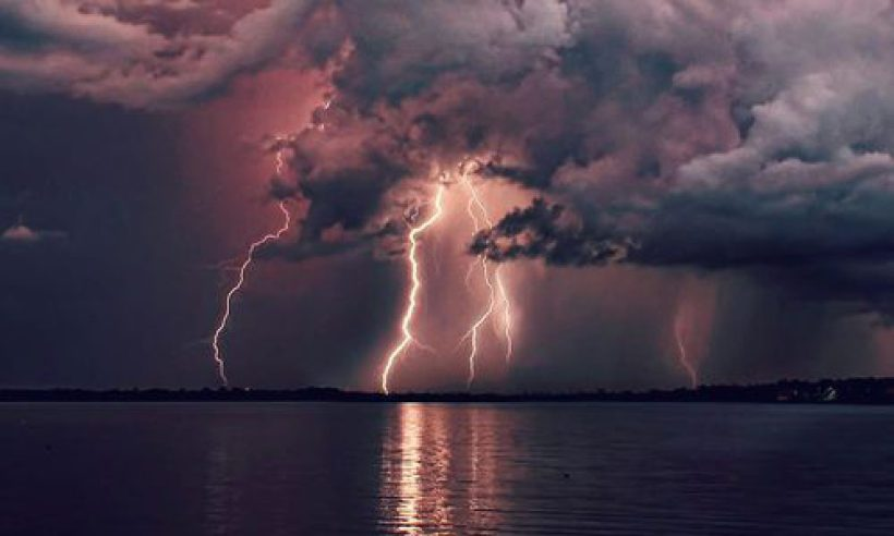 cropped-cropped-lightning-2.jpg